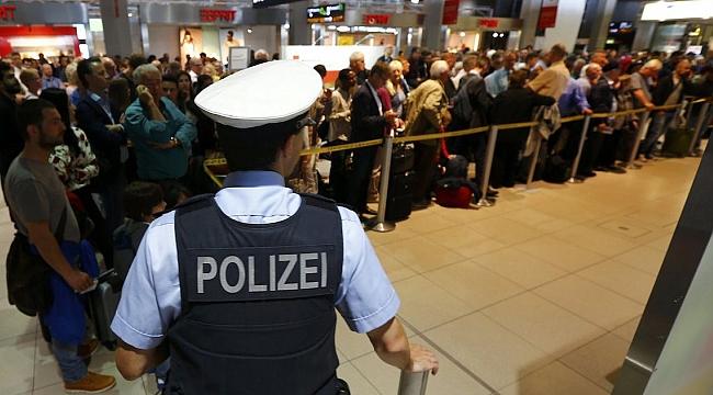 Almanlar alıkoymaya devam eder