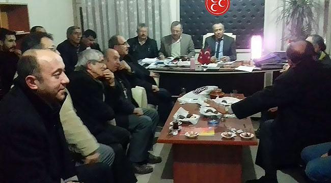Mahalle muhtarları MHP'yi ziyaret etti