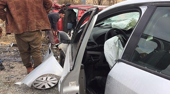 Karlık sapağında feci kaza