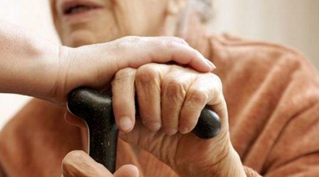 Türkiye'de 100 yaşın üzerinde kaç kişi yaşıyor?