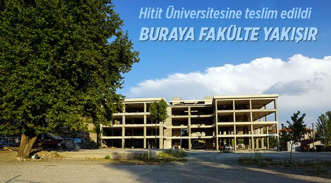 Belediye binayı Hitit Üniversitesine teslim etti