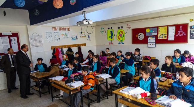 Milli eğitim müdürü Atçıoğlu köy okullarını ziyaret ediyor