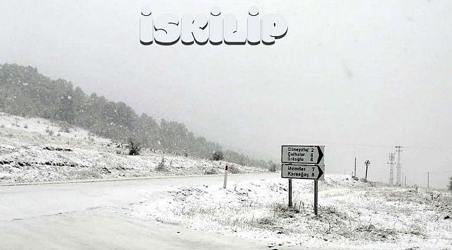 İskilip'in yüksek yerlerine kar yağdı