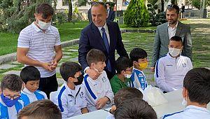 Gençler TBMM'de Ceylan'ı ziyaret ettiler